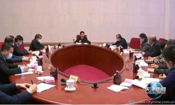 廖国勋主持召开人才工作座谈会 拾起卖作为企业代表参会